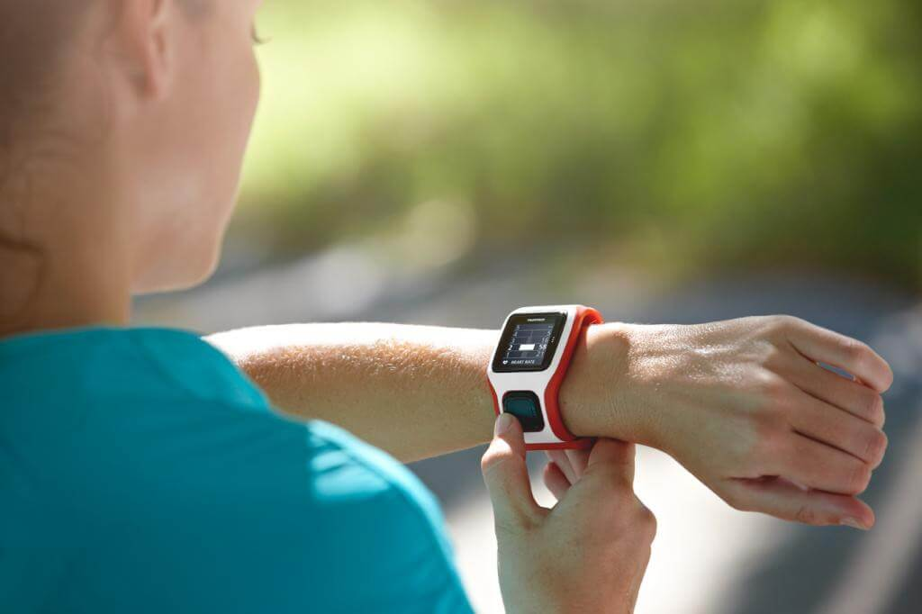 出典:http://www.wearables.com/best-gps-running-watches-2015-polar-garmin-tomtom/