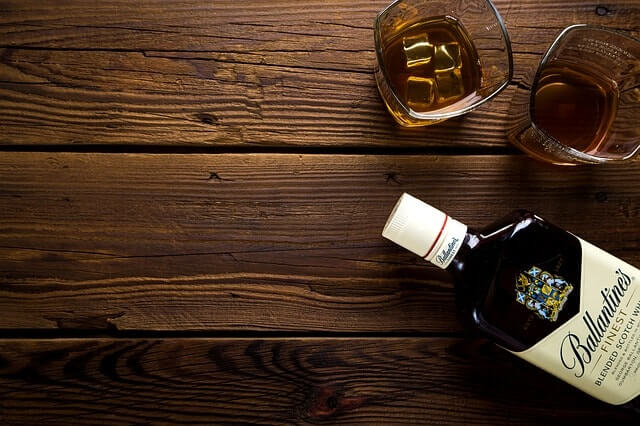 alcohol-1961542_640-min