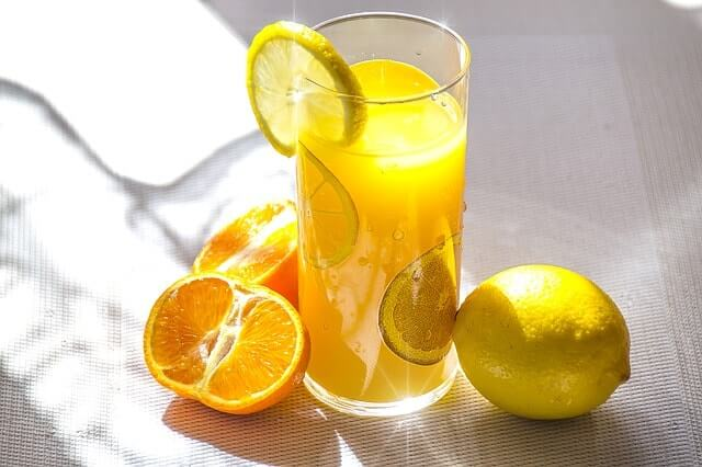 fruit-juice-1332072_640-min