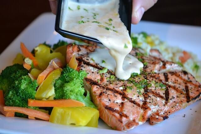 salmon-1312372_640-min