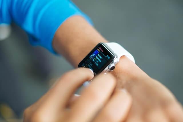 smart-watch-821565_640-min