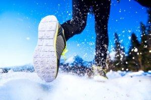 冬に走るランナー
