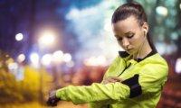 腕に装着するLEDアームバンドライトのおすすめ5選!ランニング・ウォーキングに便利!