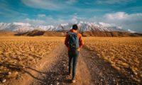 歩くのが楽しくなる!ウォーキングにおすすめの便利グッズ10選