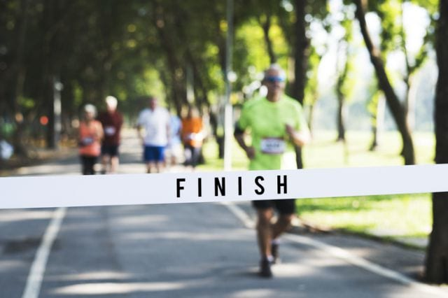 マラソンのゴールテープ