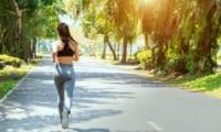 フルマラソンの練習をする人