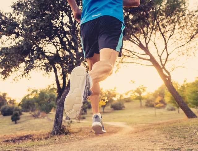 マラソン練習に励むランナー