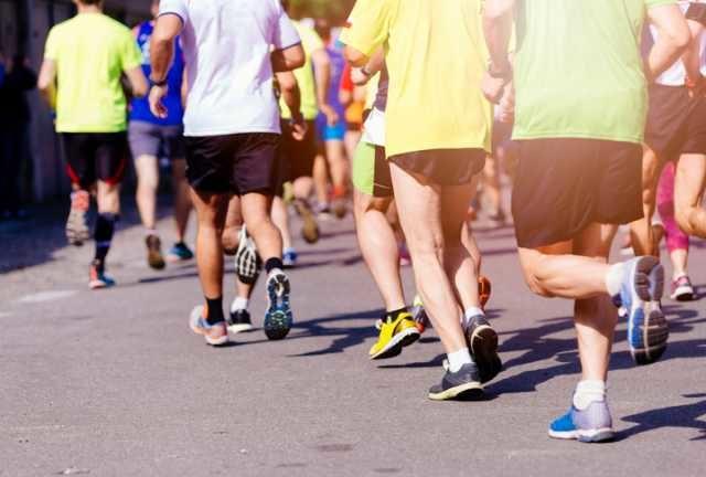 マラソン大会を走るランナーたち