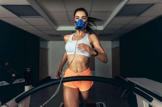 低酸素トレーニングをするランナー