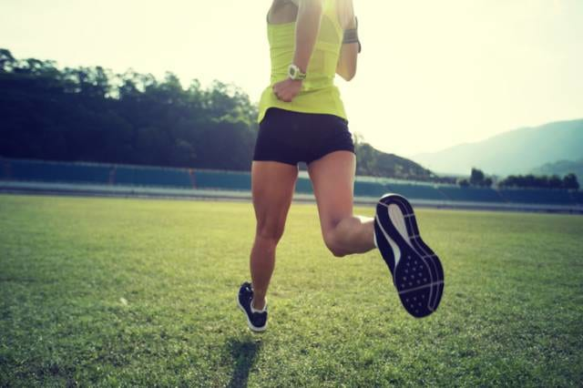 練習に励むランナー