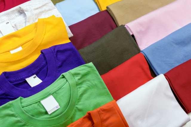無名ブランドのスポーツTシャツ